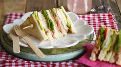 Bacon, lettuce, avocado and tomato are complemented with Cajun spice-coated chicken breast and brie in this delicious BLAT.