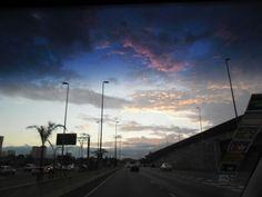 Entardecer na Marginal Tietê em São Paulo
