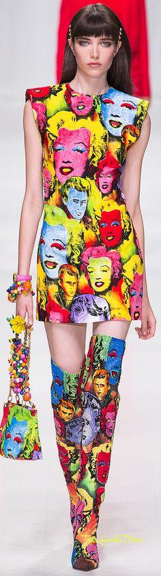 Versace Spring 2018 RTW #MFW #ss18 Marilyn print dress