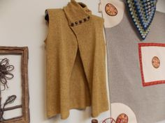 """Amy's """"Mix No. 28,"""" knit in Shibui Linen and Pebble held together."""