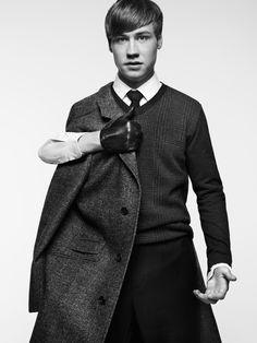 David Kross by Stefan Heinrichs Cool shot Butch Fashion, Mens Fashion, Berliner Ensemble, Tv Spielfilm, German Men, Estilo Lolita, Guys Be Like, Man Fashion, Manish