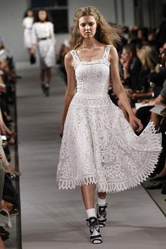 Fashion Writing  Los Angeles Times  Wedding dresses for a more relaxed bride  At Polyvore, it's a virtual overlap of styles   The history of swimwear  Type F  How to wear a midi skirt  How to make being single on Valentine's Day look good  New year, new you: Fashion and beauty essentials for beginners  New Year's Eve outfits: Hot but still warm  What to wear to a ballgame: Fashions that hit a home run, sartorially speaking  7 sizzling styles for 2012  (Photo credit: Peter Michael Dills/Get