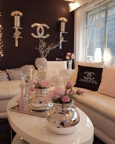 Pin by sheela sharma on screenshots in 2019 домашний декор, Decor, Beauty Room, Living Room Decor Cozy, Living Room Designs, Glam Living Room, Glam Room, Bedroom Decor, Room Decor, Apartment Decor