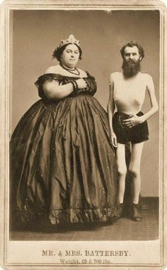 """Battersby, Fat Lady and Skeleton Man aka """"Freak Show"""" Vintage Pictures, Old Pictures, Old Photos, Vintage Images, Circo Vintage, Human Oddities, Creepy Photos, Funny Photos, Old Photography"""
