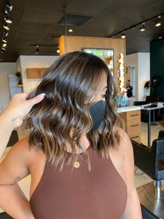 Haircuts Straight Hair, Cute Hairstyles For Short Hair, Short Hair Styles, Brunette Balayage Hair Short, Brown Hair Balayage, Hair Goals Color, Gorgeous Hair Color, Hair Styler, Light Brown Hair