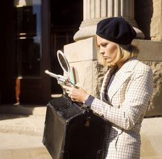 """Faye Dunaway on the set of """"Bonnie and Clyde"""""""