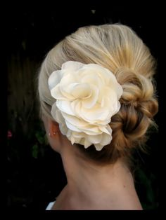 Bridal Hair with smaller flower
