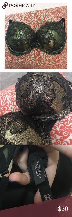 Victoria secret sexy black & gold bra #Beyoncé Straight up just a sexy Beyoncé Bra in wonderful condition! Victoria's Secret Intimates & Sleepwear Bras