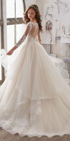 New York Bridal Fashion Week brought exciting designs for 2019 brides-to-be. Look at the best wedding dresses fall 2018 from top designers. Be modern bride! #wedding #bride #weddingforward