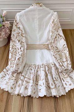 Fancy Dress Design, Stylish Dress Designs, Designs For Dresses, Western Dresses For Girl, Stylish Dresses For Girls, Girls Fashion Clothes, Modest Fashion, Fashion Dresses, Party Wear Dresses