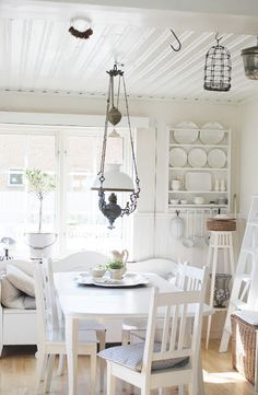 white kitchen...