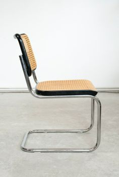 Tubular Steel Cantilever Chair S32, design Marcel Breuer 1928, manufactured by Thonet 1970/80s – www.classiqs.com