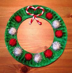 Christmas Wreath Craft - Paper Plate Craft - Preschool Craft - the bow is a pipe. - Christmas Wreath Craft – Paper Plate Craft – Preschool Craft – the bow is a pipe cleaner - Kids Crafts, Preschool Christmas Crafts, Daycare Crafts, Toddler Crafts, Christmas Projects, Christmas Gifts, Christmas Crafts For Kids To Make Toddlers, Christmas Crafts Paper Plates, Preschool Art