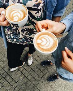 Dziewczęta się bawią! // Girls are having fun! ☺️ #coffee #kaffe #coffeelifestyle #thecoffeelifestyle #cappuccino #coffeeart #coffeelover #coffeeaddict #butfirstcoffee #pattern #coffeeshop #barista #libracafe #ltc #specialitycoffee #spring #girls #niceday