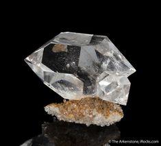 Crystals Minerals, Rocks And Minerals, Diamond Mines, Gem Show, Rocks And Gems, Herkimer Diamond, Toe Nails, Fossils, Quartz Crystal