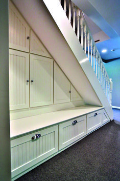 18 under stair storage solutions : Inspiring under stairs storage project on this favorite site Staircase Storage, Hallway Storage, Staircase Design, Under Stairs Storage Solutions, Under Stairs Storage Ikea, Space Under Stairs, Closet Under Stairs, Under The Stairs, Architecture Restaurant
