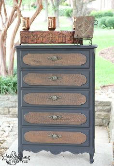 Crocodile Rockin Chest of Drawers — High Style ReStyle ~ Love the textured roller she used to get the faux crocodile!