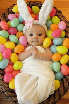 Baby first Easter Bunny, Osterbilder Rabbit Baby Easter Pictures - Lizenzfreies Foto - Monthly Baby Photos, Newborn Baby Photos, Monthly Pictures, Baby Girl Photos, Baby Poses, Baby Kalender, Cute Baby Pictures, Easter Pictures For Babies, Baby Month Pictures