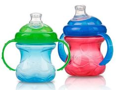 Nuby No-Spill Cups. Josie transitioned from bottles to sippy cups in one day with these! Toddler Bottles, Baby Bottles, Nuby Sippy Cup, Sippy Cups, Weaning From Bottle, Transitioning To Sippy Cup, Diaper Bag, Baby On A Budget, Baby Alive