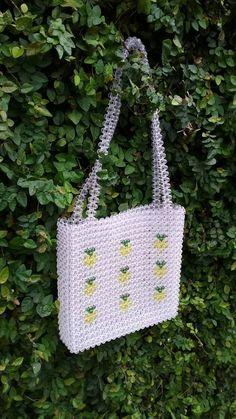 Pineapple beaded bag by Moteku Beaded Clutch, Beaded Purses, Beaded Bags, Clear Bags, Wholesale Handbags, Purse Patterns, Blue Bags, Bead Crafts, Handmade Bags