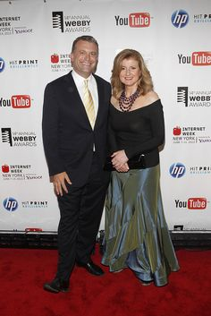 Dylan Ratigan of CNBC and Arianna Huffington step out on the red carpet.