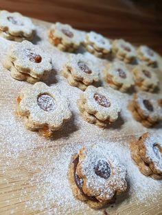 Diétás linzer szénhidrátcsökkentett lisztből Izu, Paleo, Cookies, Desserts, Food, Diets, Tailgate Desserts, Biscuits, Deserts