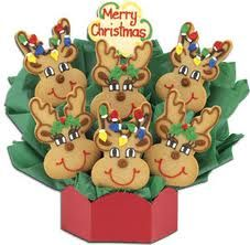 Arrange your homemade Christmas cookies into Cookie Bouquets that make wonderful Christmas centerpieces or gifts. Cute Christmas Cookies, Reindeer Cookies, Christmas Sweets, Cute Cookies, Christmas Gingerbread, Christmas Goodies, Holiday Cookies, Holiday Treats, Christmas Baking