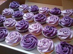 Ideas For Cupcakes Wedding Purple Bridal Shower Cupcakes Lindos, Purple Cupcakes, Velvet Cupcakes, Sweet 16 Cupcakes, Purple Cookies, Rosette Cupcakes, Purple Cake Pops, Lavender Cupcakes, Purple Wedding