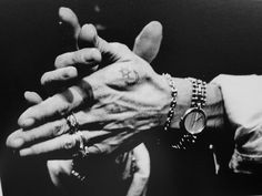 the hands of gypsy flamenco legend, camaron… Gypsy Life, Gypsy Soul, Gypsy Culture, Dance Fashion, Lets Dance, Beautiful Hands, How To Draw Hands, Black And White, Photography