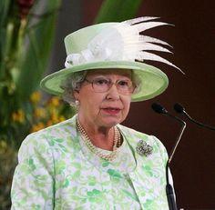 The Queens Hats - Pixdaus