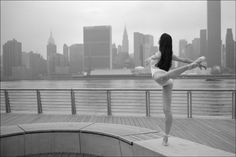 NYC. Ballerina Project . Gaby in  Gantry Plaza State Park