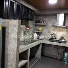 Tadelakt Grey Countertops and Shelves in Parisian Kitchen Kitchen Interior, Home Decor Kitchen, Concrete Kitchen, Kitchen Design Small, Outdoor Kitchen Design, Small House Design, Outdoor Kitchen Decor, Rustic Kitchen, Kitchen Design