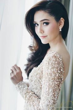 araya a. hargate,thailand,actress,elliesaabhautecoutur,wedding,hair,makeup