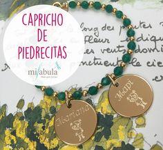 Un capricho de piedrecitas para terminar el martes #mifabula #joyaspersonalizadas #regalosúnicos  http://mifabula.com/pulsera-personalizada-piedras-jade-con-medallas-opale.html