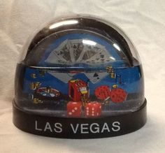Las Vegas Dice Snow Globe Slot Machine Royal Flush Roulette Coins Snowdome Dome