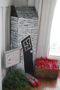 Fussy Monkey Business: Wizard of Oz Birthday Party- we could actually use the dollhouse my grandpa made for this!