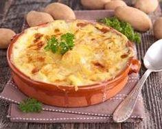 Gratin franc-comtois au fromage à raclette : http://www.cuisineaz.com/recettes/gratin-franc-comtois-au-fromage-a-raclette-29471.aspx