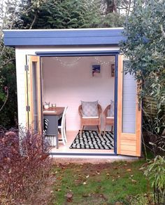 Wooden Garden Shed as Home Office- 20 Great Landscaping Ideas - New Deko Sites Small Garden Cabin, Small Garden Art, Small Garden Office, Shed Office, Garden Cabins, Backyard Office, Backyard Studio, Outdoor Office, Small Art