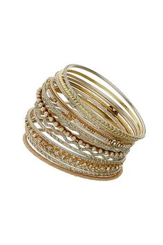 Cream Bangle Set - I love a good bangle set and these are great for a variety of outfits!