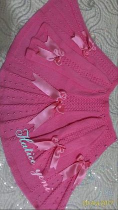 """diy_crafts- galeriye kaydet """"This post was discovered by Ayl"""" """"Beğenme, 139 Yorum - Ins"""", """"galeriye kaydet \""""This post was discovered by A Baby Knitting Patterns, Shrug Knitting Pattern, Knitting Designs, Diy Crafts Knitting, Diy Crafts Crochet, Crochet Baby Jacket, Knitted Baby Cardigan, Crochet For Boys, Knitting For Kids"""