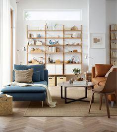 Dans le catalogue Ikea 2018, le salon invite même au farniente avec une méridienne cosy
