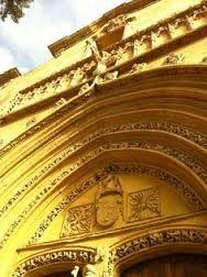 Resultado de imagen de ORIHUELA escudo Alicante, Murcia, Spain, Louvre, Building, Travel, Beautiful, 16th Century, Paths