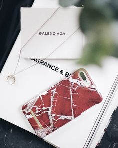 Our #scarletredmarble case by @wilmagardhrydberg #idealofsweden #marble #phonecase #fashion #style #accessory