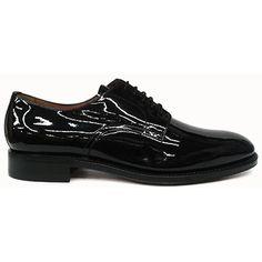 Zapato blucher liso en charol negro de Yanko vista lateral