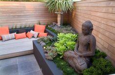 small urban garden design seat buddha figures privacy wood wall - Plus Modern Landscape Design, Modern Landscaping, Backyard Landscaping, Landscaping Software, Modern Backyard, Landscaping Ideas, Small Urban Garden Design, Zen Garden Design, Patio Design