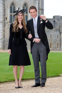 Queen Elizabeth Ii, Eddie Redmayne Hannah Bagshawe, Eddie Redmayne Wife, Investiture Ceremony, Windsor England, Harry Potter, Best Dressed Man, Windsor Castle, Matt Damon