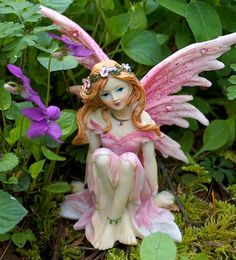 Garden Fairies http://www.thesacredfeminine.com/garden-fairies.html