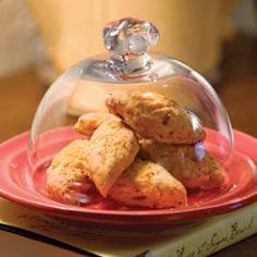 Pimiento-Cheese Scones tea-parties-are-fun Cheese Scones, Savory Scones, Savoury Cake, English Scones, Pimiento Cheese, High Tea, Brunch Recipes, Afternoon Tea, Tea Time