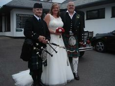 www.johncampbellbagpiper.webs.com   The Bagpiper in South Wales Congratulations to Gillian  John on their recent wedding in Loch Lomond.  I piped at the reception at Dinas Powys Golf Club :-)