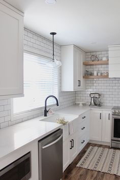 Kitchen Redo, Home Decor Kitchen, Kitchen Interior, New Kitchen, Kitchen Remodel, Kitchen Ideas, Kitchen Colors, Modern Farmhouse Kitchens, Home Kitchens